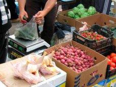 Прокуроры Алушты и Евпатории наказаны за недостаточную борьбу со стихийной торговлей