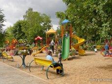 В Ленинском районе отремонтируют детские площадки