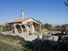 Старинная мечеть в Крыму нуждается в реставрации