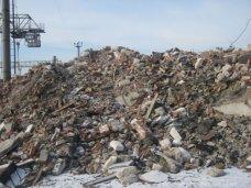 В Севастополе оштрафовали трех застройщиков за сброс строительного мусора