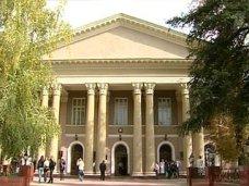 Студенты и преподаватели крымского медуниверситета не готовы согласиться с включением в федеральный вуз