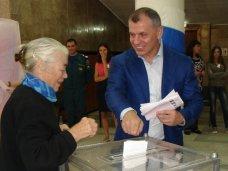 Крымский спикер проголосовал за новый Крым и пообещал хорошую явку