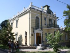 В Симферополе отремонтируют художественную школу