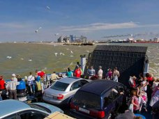 Очереди на паром в порту «Крым» ожидают 1,1 тыс. автомобилей