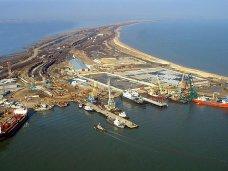 Очереди на паром в порту «Крым» ожидает около тысячи автомобилей