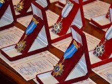 Новосельскую и Ростенко наградили орденами Миротворцев