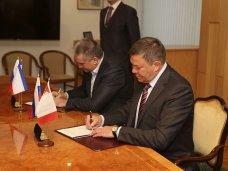 Аксёнов подписал Соглашение о сотрудничестве с Правительством Вологодской области