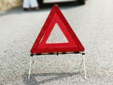 В Симферополе под колеса автомобиля попала 8-летняя девочка