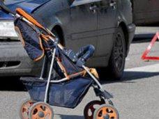 В Симферополе судебные приставы сдали в полицию пьяного мужчину, который едва не выронил годовалого ребенка на проезжую часть