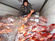 Сорок тонн контрафактного мяса задержали на въезде в Крым