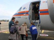Спецборт МЧС России доставит троих тяжелобольных детей из Республики Крым в Москву и Санкт-Петербург