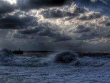 В районе Керченского пролива объявлено штормовое предупреждение