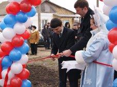 Руслан Бальбек вручил ордера на жилье 10 семьям крымских татар