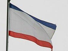 Первый вице-премьер поздравил крымчан с Днем флага Республики Крым