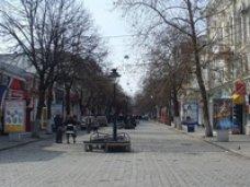 Владельцев демонтированных площадок кафе следует привлечь к наведению порядка в центре Симферополя – Шеремет