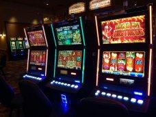 Игровой автомат Lucky Ladys Charm Deluxe в казино Азино