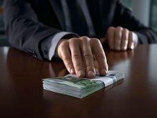 В Симферополе судебный пристав уличен в получении взятки