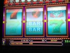Четыре популярных слота в казино Азино