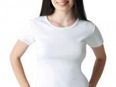 Простая белая футболка основа женского гардероба