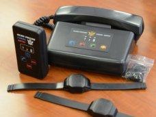 В службу исполнения наказаний в Крыму поступили 195 комплектов электронных наручников