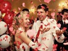 В Крыму в День влюбленных было зарегистрировано 211 браков