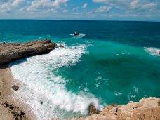 Голубая бухта Крыма: пиратское пристанище и царская обитель