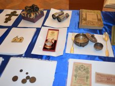 Крымские таможенники передали Центральному музею Тавриды конфискованные ценности на сумму более 900 тыс рублей