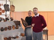 В крымском правительстве открылась выставка народных промыслов