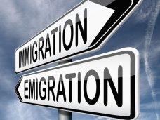Эмиграция как средство от безработицы
