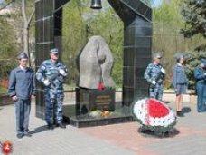 Первый вице-премьер Крыма принял участие в траурном митинге памяти жертв Чернобыльской катастрофы
