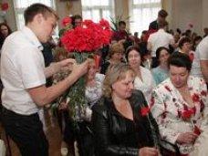 Алла Пашкунова поздравила медсестер с профессиональным праздником