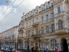 История зданий.  Живописная жемчужина Крыма