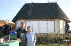 Простая жизнь симферопольского бизнесмена: счастье без газа, электричества и канализации
